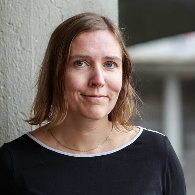 Klara Eriksson, silver och guldsmed.