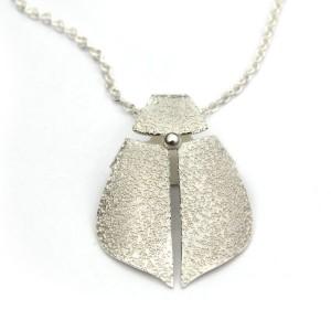 Skalbagge av silver. Erik Tidäng 1100kr