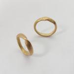 Bee's wax ring. Maki Okamoto